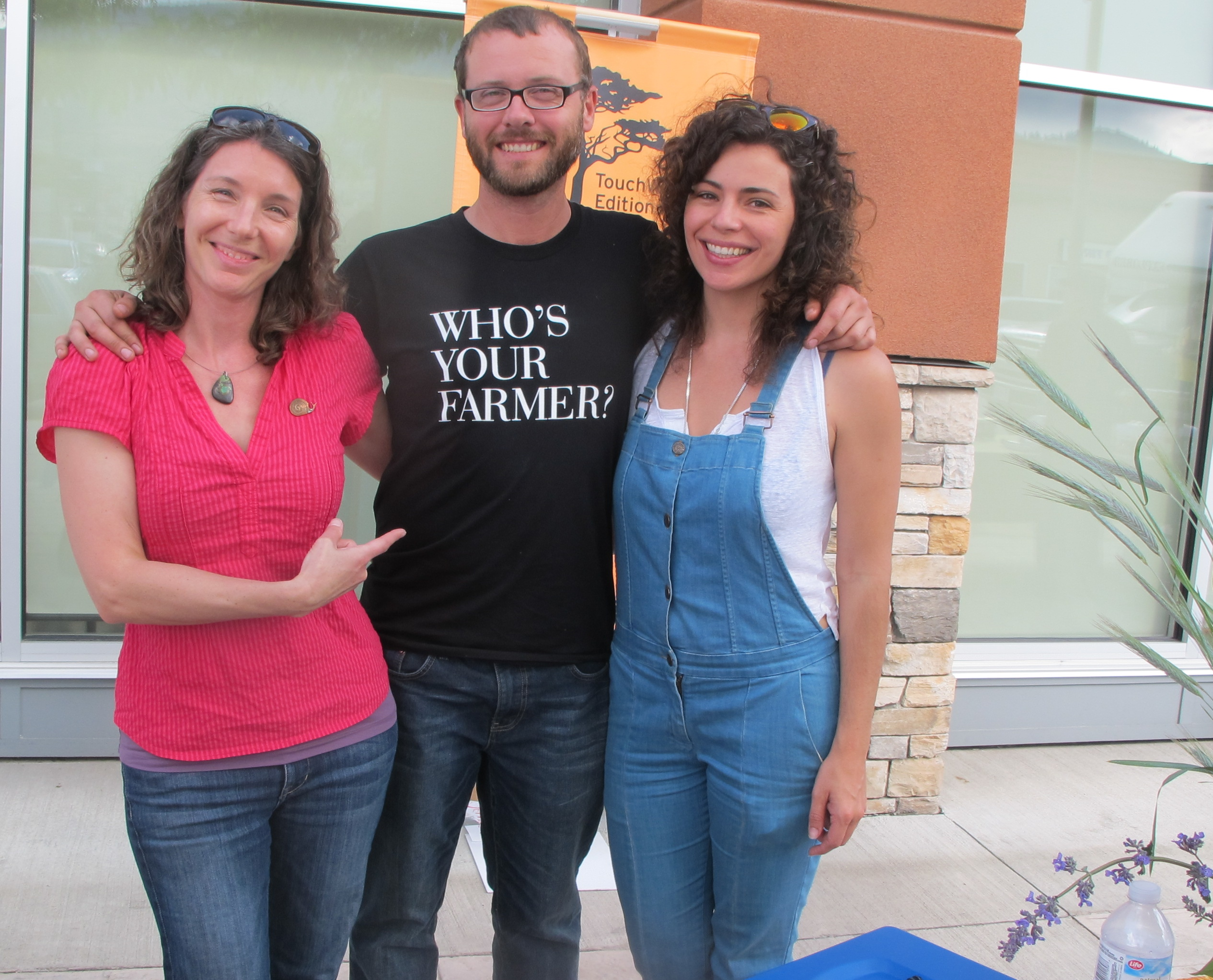 Author Jennifer Cockrall-King, Curtis Stone of Green City Acres and Tarynn Parker of The Field Guide take time for a visit