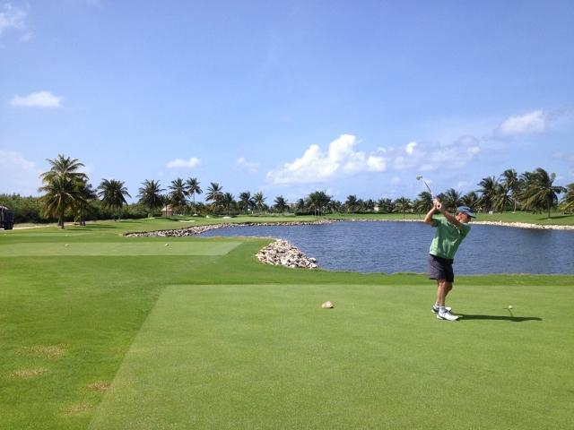 Blue Tip Golf at Hyatt Regency Cayman - RBuchanan photo