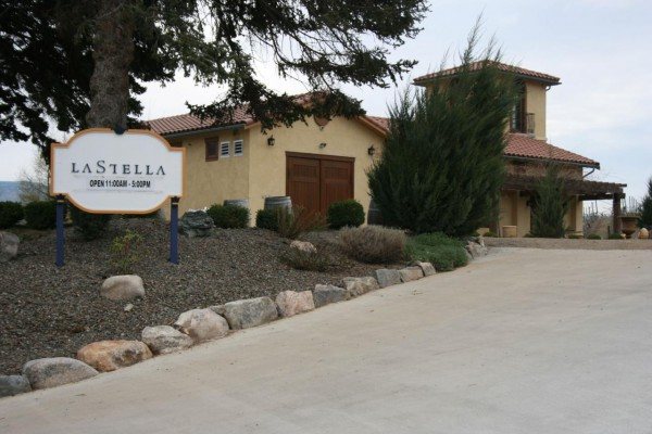 La Stella Winery 2015 with sign 2