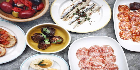Gastown Eatery Continues Free Tapas