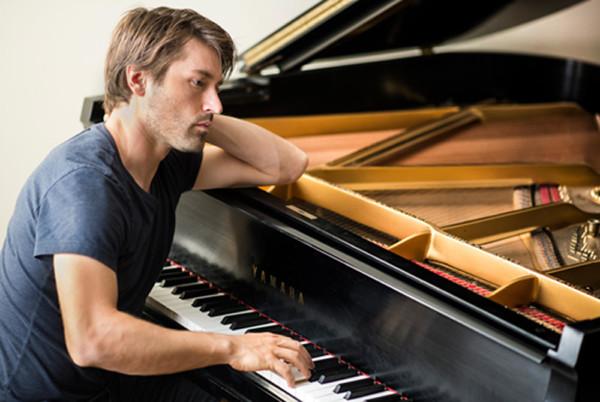 Dan Tepfer - Acclaimed Jazz Pianist