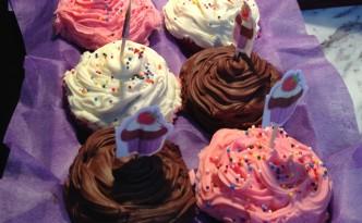 mm chocolate-cupcakes-332x205