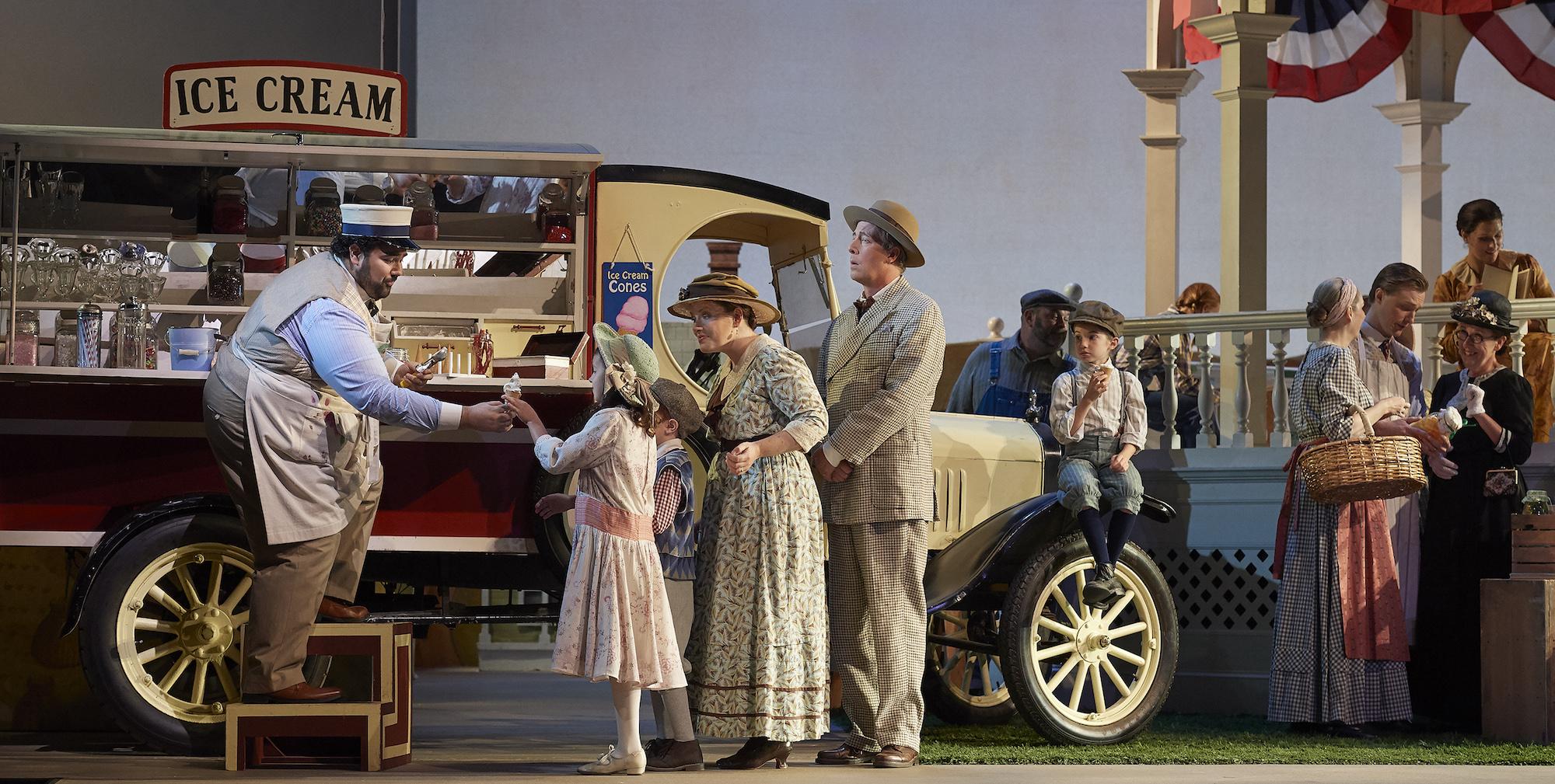 Vancouver Opera presents Donizetti'sL'Elisir d'amore(The Elixir of Love)
