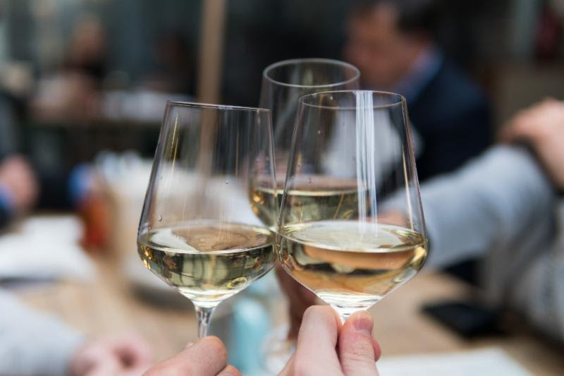 LIQUIDITY WINES LAUNCHES CANADA'S FIRST WINE TASTING CLUB