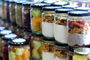 Bel Café introduces glass jars for tasty to-go dishes adding freshness and reducing waste to landfills