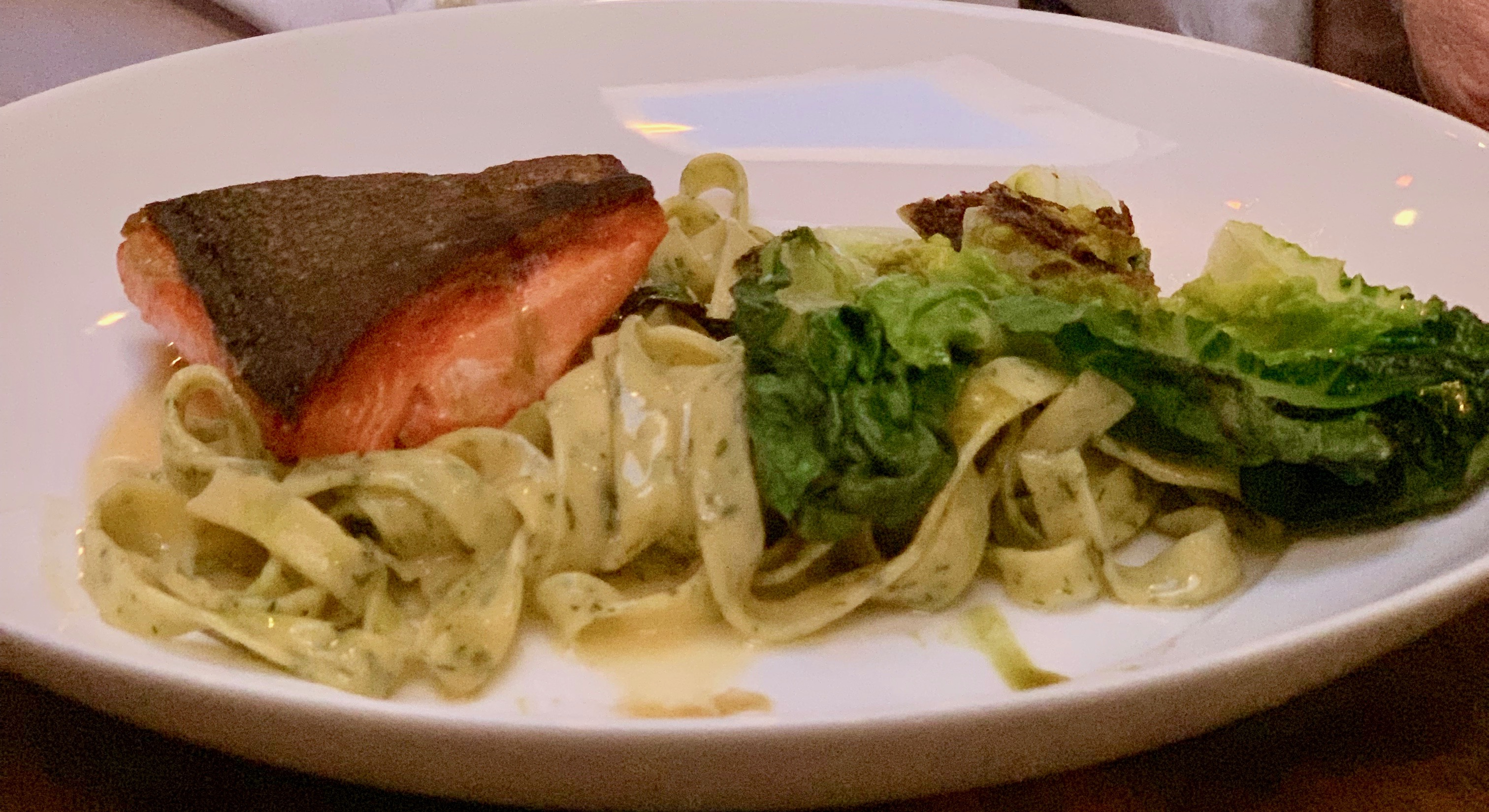 The Advantages of Dining Out close to Home – Au Comptoir